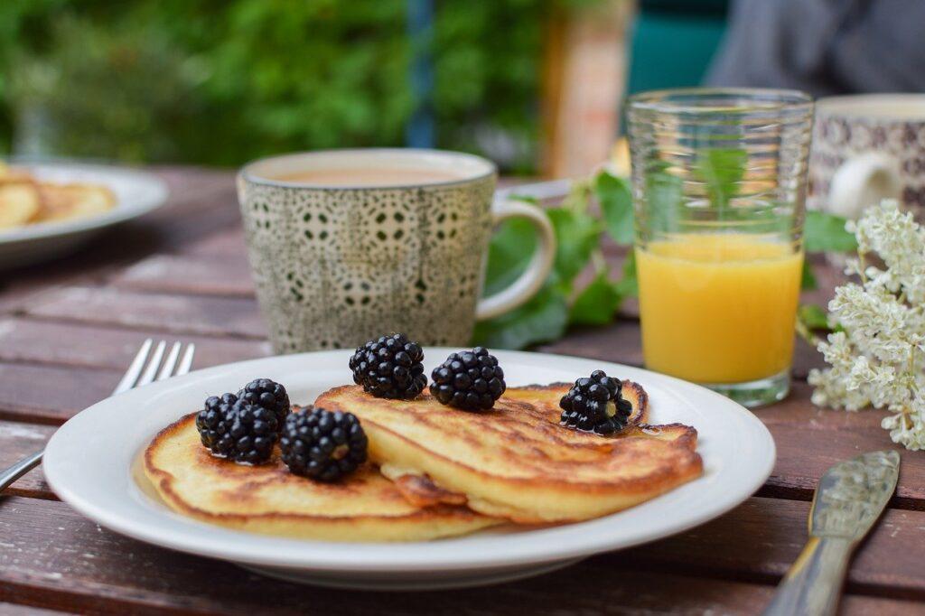 blackberry, pancakes, brunch